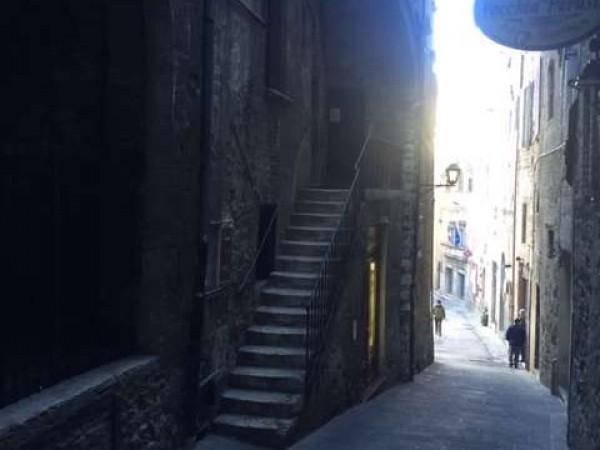 Appartamento in vendita a Perugia, Centro Storico, Arredato, 90 mq - Foto 2