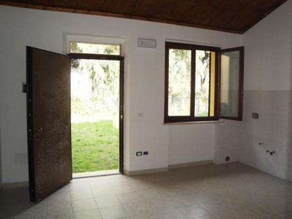 Villetta a schiera in vendita a Castiglione del Lago, Con giardino, 45 mq - Foto 2