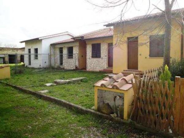 Villetta a schiera in vendita a Castiglione del Lago, Con giardino, 45 mq