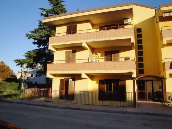 Appartamento in vendita a Magione, Con giardino, 50 mq