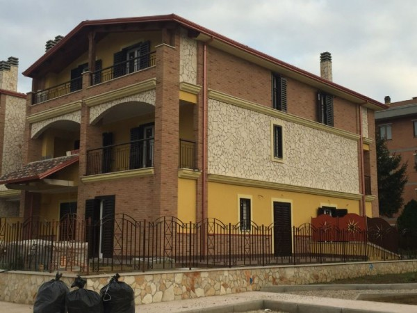Appartamento in vendita a Perugia, Con giardino, 80 mq