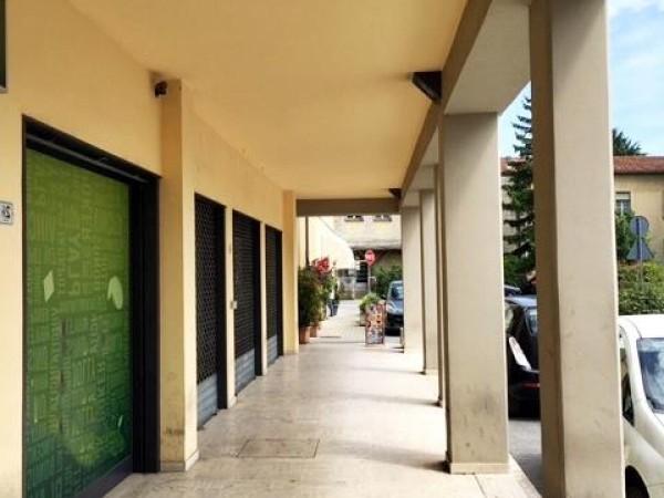 Negozio in affitto a Città di Castello, Coop, 240 mq