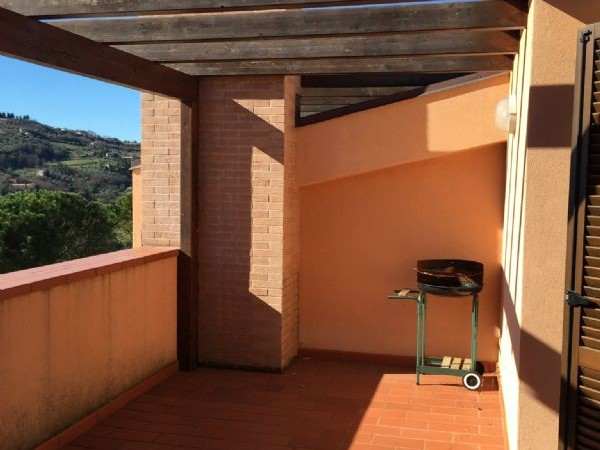 Appartamento in affitto a Perugia, Montelaguardia, 100 mq