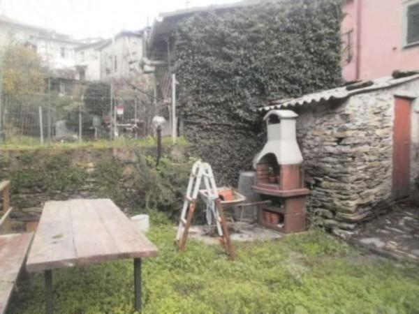 Appartamento in vendita a Lumarzo, Pannesi, Con giardino, 75 mq