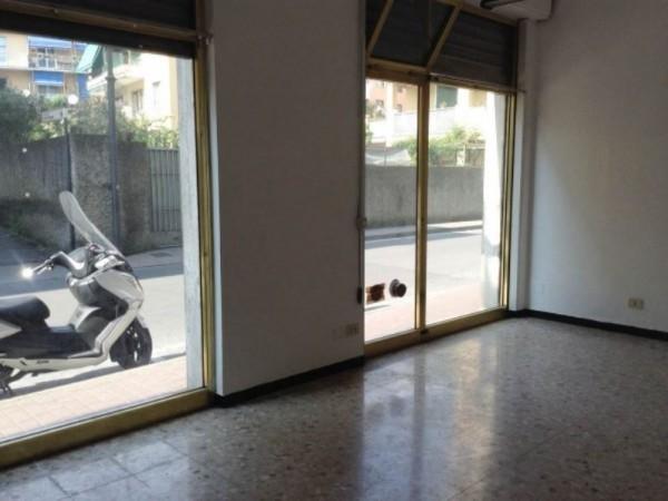 Negozio in affitto a Rapallo, 50 mq