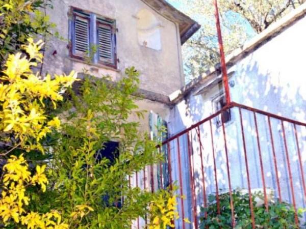 Rustico/Casale in vendita a Uscio, Uscio, Con giardino, 100 mq