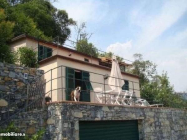 Villa in vendita a Rapallo, Via Milano, Con giardino, 70 mq