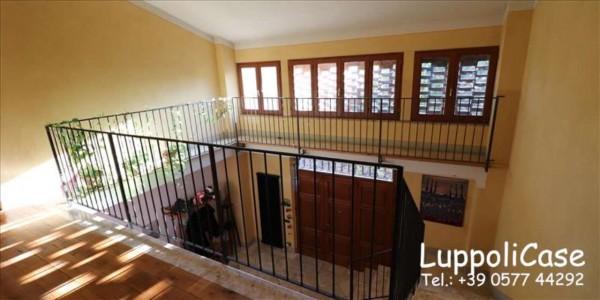 Villa in vendita a Siena, Con giardino, 360 mq