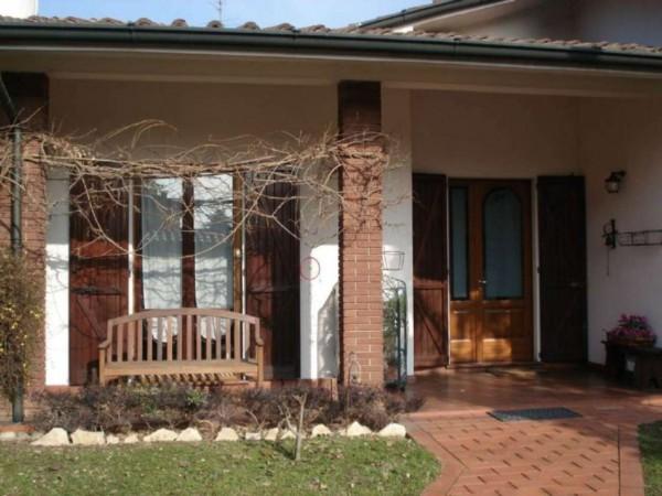 Villa in vendita a Bagnolo Cremasco, Residenziale, Con giardino, 180 mq