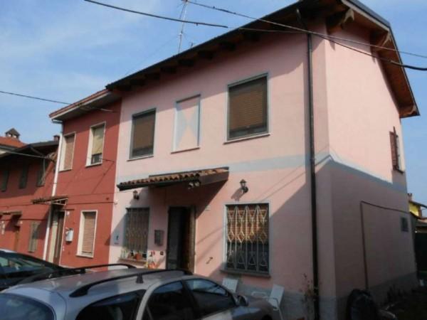 Casa indipendente in vendita a San Colombano al Lambro, Centro, Con giardino, 130 mq