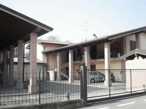 Appartamento in vendita a Pandino, Con giardino, 79 mq