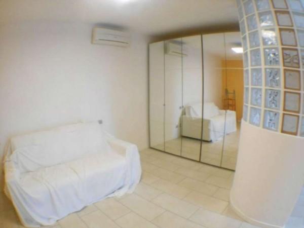 Appartamento in vendita a Crespiatica, Centro, Arredato, con giardino, 50 mq - Foto 3