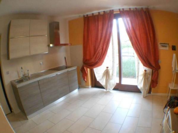 Appartamento in vendita a Crespiatica, Centro, Arredato, con giardino, 50 mq - Foto 4