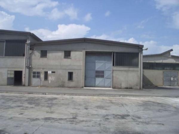 Capannone in vendita a Poirino, 450 mq