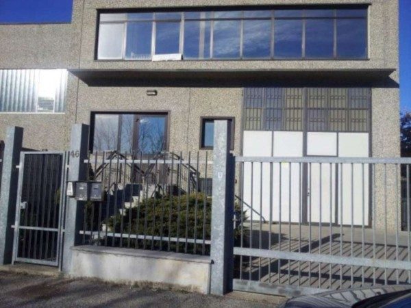 Capannone in affitto a Rivalta di Torino, 200 mq
