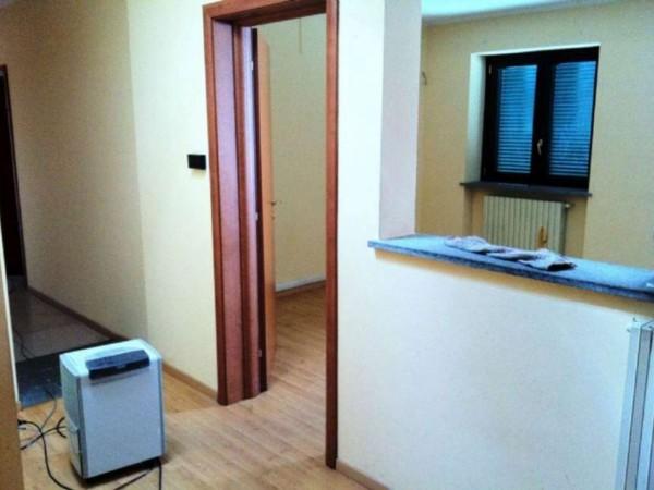 Ufficio in affitto a Santena, 75 mq