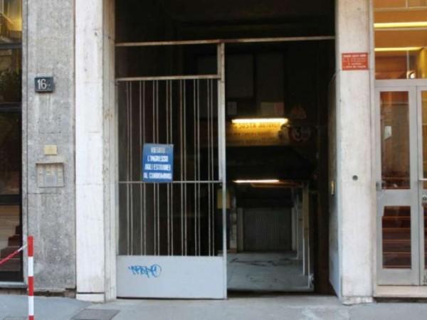 Locale Commerciale  in affitto a Milano, Piazza Napoli, 496 mq