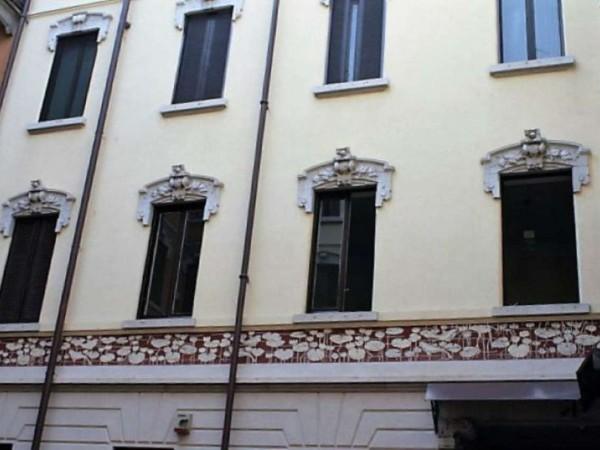 Appartamento in affitto a Milano, Magenta, Con giardino, 60 mq