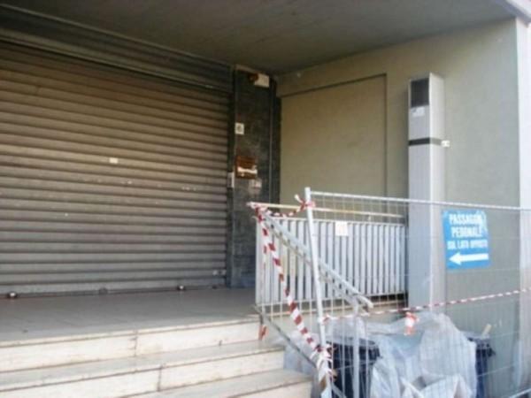 Negozio in vendita a Roma, Monte Spaccato, 70 mq