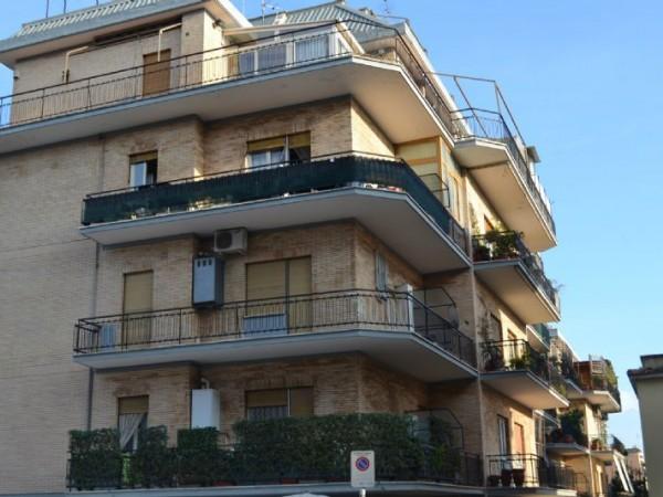 Appartamento in vendita a Roma, Grottarossa, 95 mq