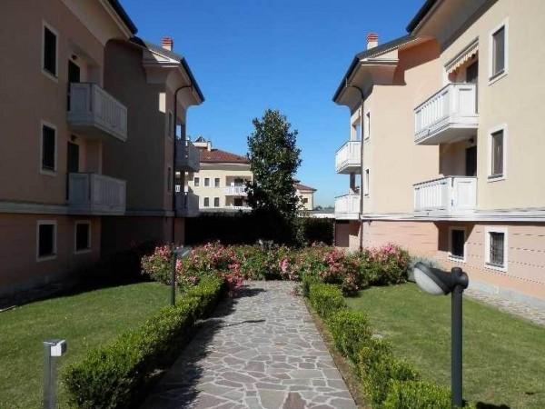 Appartamento in vendita a Arluno, Centrale, Arredato, 190 mq - Foto 1