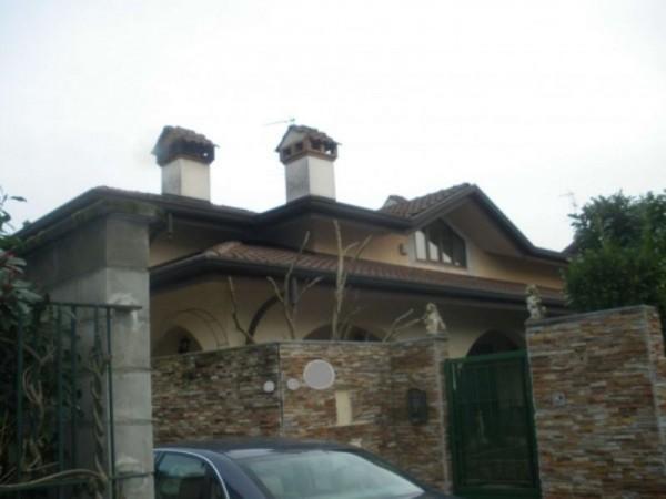 Villa in vendita a Casorezzo, Semicentro, 420 mq