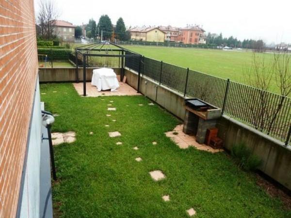 Villa in vendita a Cerro Maggiore, Semicentro, 190 mq - Foto 2