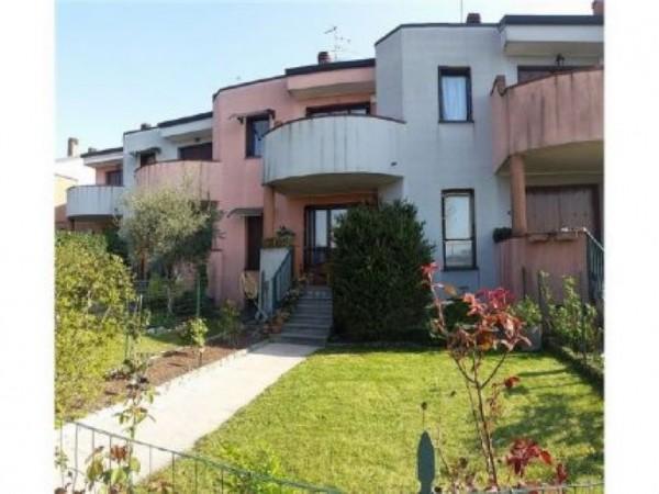 Villetta a schiera in vendita a Inveruno, Furato, 195 mq