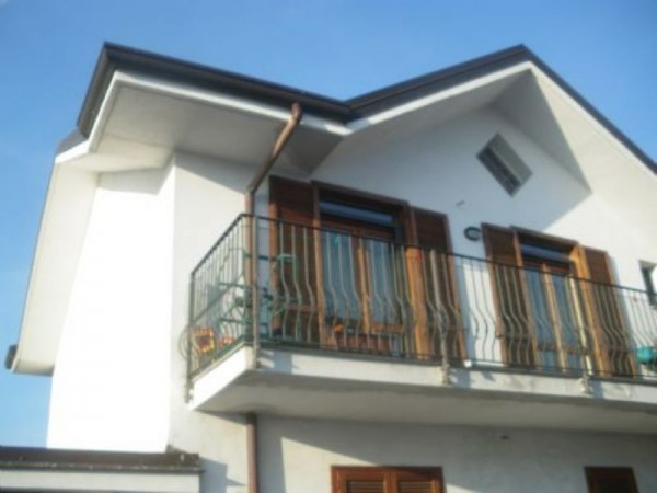 Appartamento in vendita a Inveruno, Furato, 77 mq