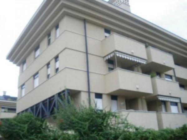 Appartamento in vendita a Legnano, 75 mq