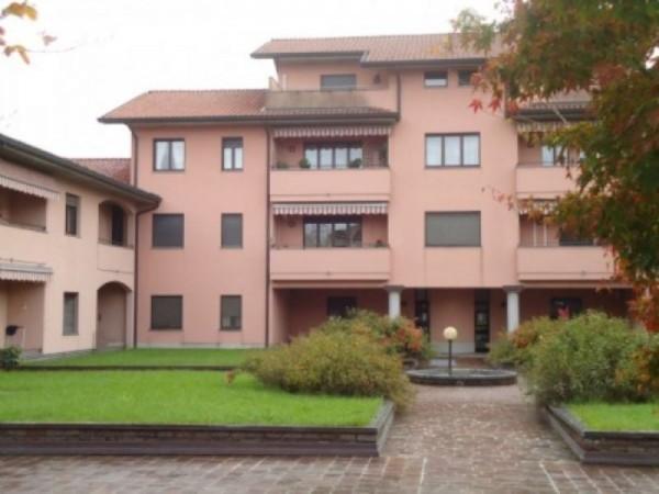 Appartamento in vendita a Parabiago, 75 mq