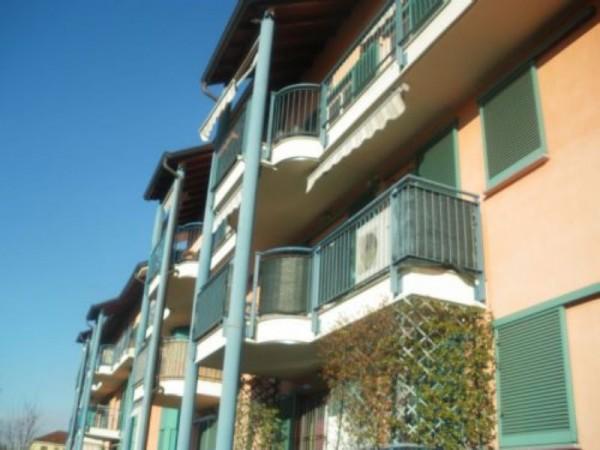 Appartamento in vendita a Vittuone, Stazione, 105 mq