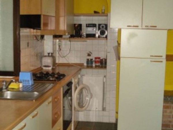Appartamento in vendita a Cesate, Arredato, 50 mq