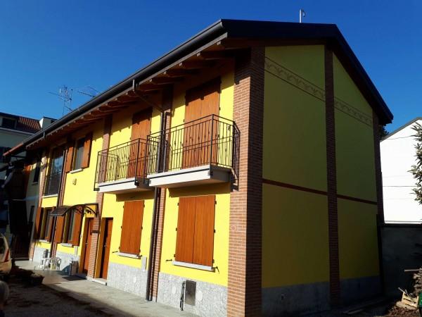 Casa indipendente in vendita a Garbagnate Milanese, Centro, 110 mq - Foto 2
