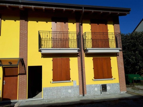 Casa indipendente in vendita a Garbagnate Milanese, Centro, 110 mq - Foto 3