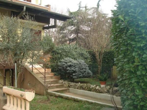 Villa in vendita a Garbagnate Milanese, Con giardino, 185 mq