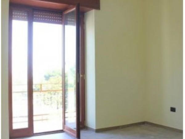 Appartamento in vendita a Pollena Trocchia, Con giardino, 90 mq