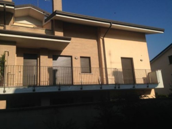 Appartamento in vendita a Vanzago, Periferica, 160 mq - Foto 18