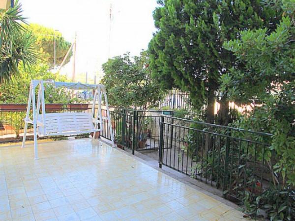 Appartamento in vendita a Taranto, Residenziale, Con giardino, 117 mq