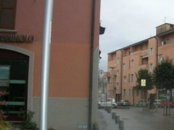 Ufficio in affitto a Bernareggio, 110 mq