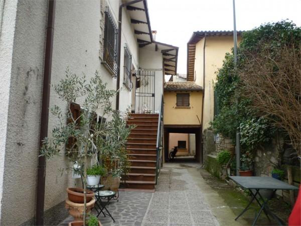 Appartamento in vendita a Gualdo Tadino, Con giardino, 135 mq - Foto 4