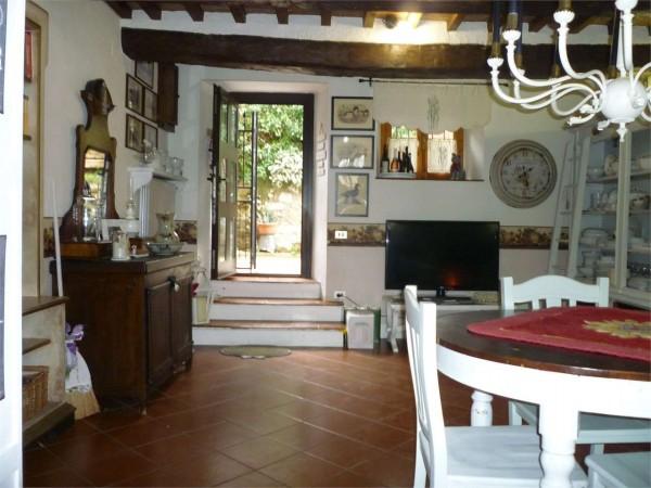 Appartamento in vendita a Gualdo Tadino, Con giardino, 135 mq