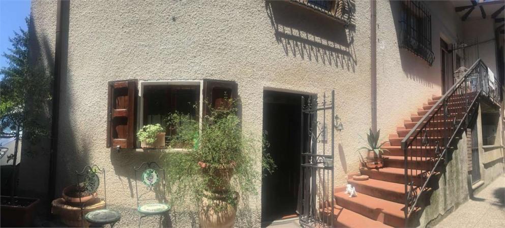 Appartamento in vendita a Gualdo Tadino, Con giardino, 135 mq - Foto 36