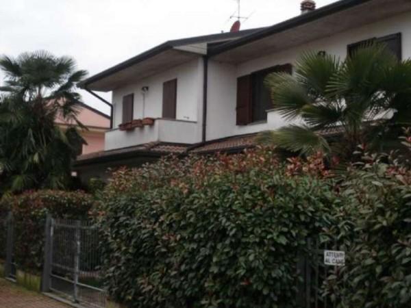 Villa in vendita a Casale Cremasco-Vidolasco, Zona Residenziale Limitrofa Casale Cremasco, Con giardino, 150 mq