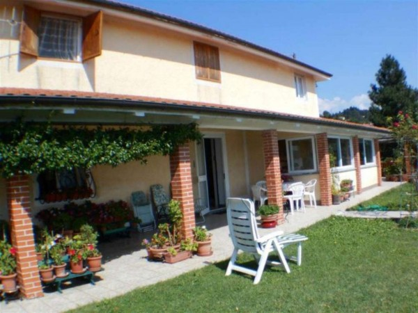 Casa indipendente in vendita a Mignanego, Passo Dei Giovi, Arredato, con giardino, 235 mq - Foto 1