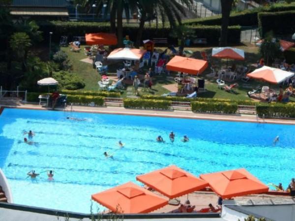 Appartamento in vendita a Rapallo, Impianto Sportivo/piscina, Arredato, con giardino, 50 mq - Foto 4