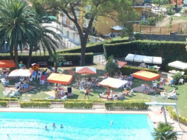 Appartamento in vendita a Rapallo, Impianto Sportivo/piscina, Arredato, con giardino, 50 mq