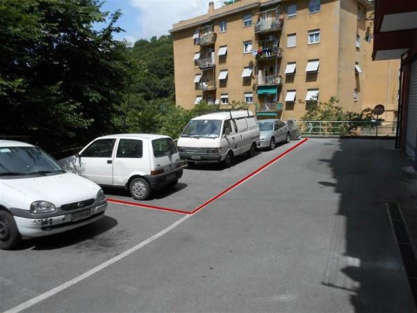 Locale Commerciale  in vendita a Genova, Alture, 435 mq