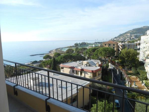 Appartamento in vendita a Sanremo, Foce, Arredato, con giardino, 98 mq