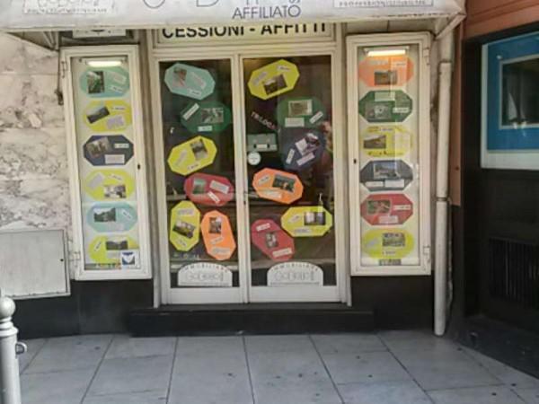 Locale Commerciale  in vendita a Recco, Centralissimo, 70 mq - Foto 2